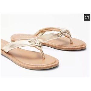 NWT- Express- Knot Thong Sandal 🔱